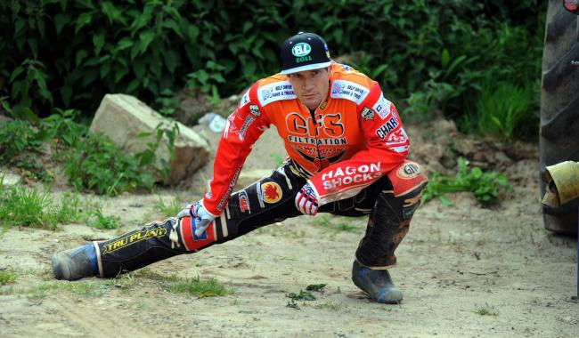 Swindon Robins v Poole Pirates       Pic Dave Evans.Jason Doyle prepares for the meeting..