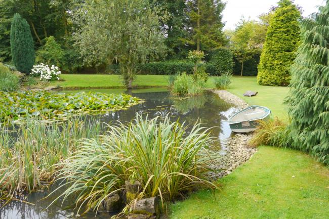 Old Pond House Gardens in Malmesbury